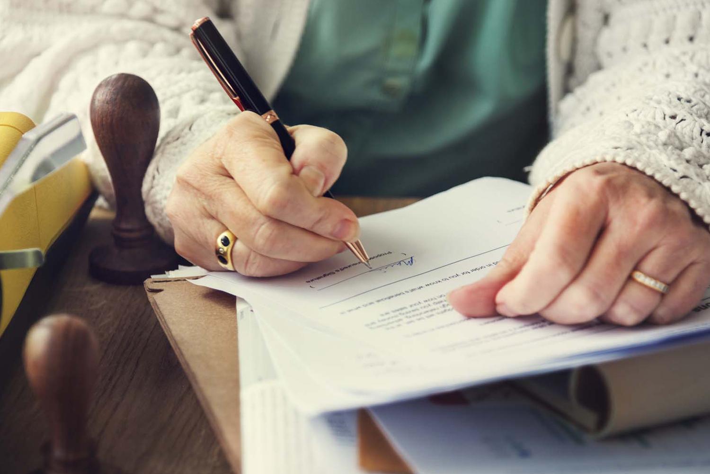 Заповіт, договір дарування чи договір довічного утримання: що обрати?